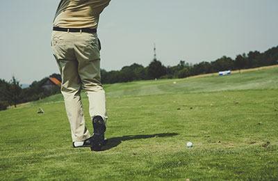 size of golf fairway area