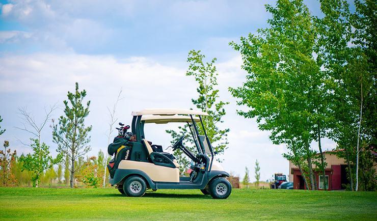 Club Car golf cart has loose steering